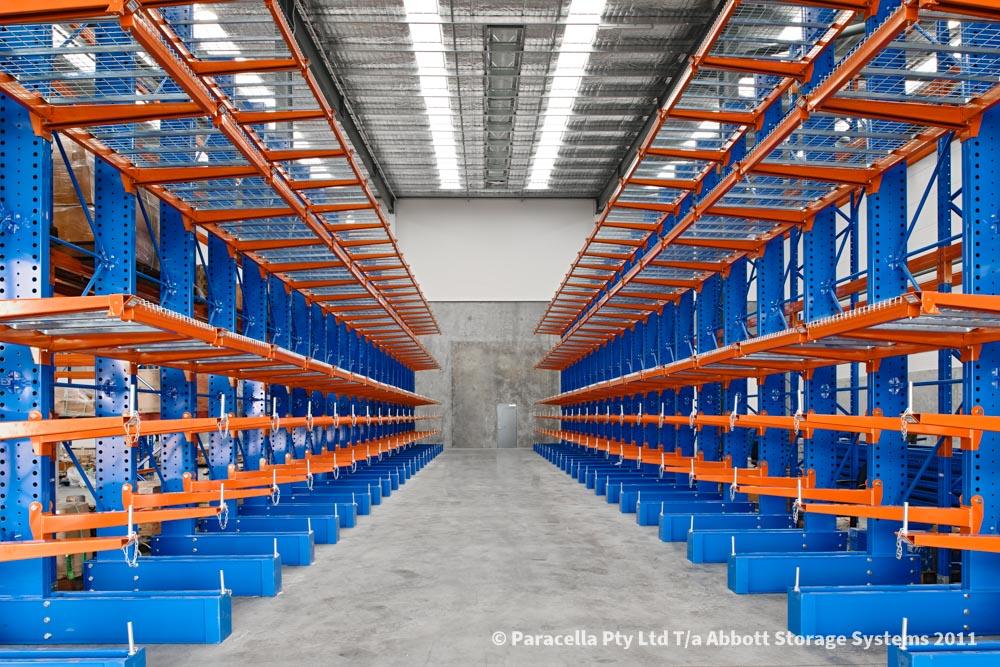 Halliburton - Warehouse - Heavy Duty Cantilever Racking